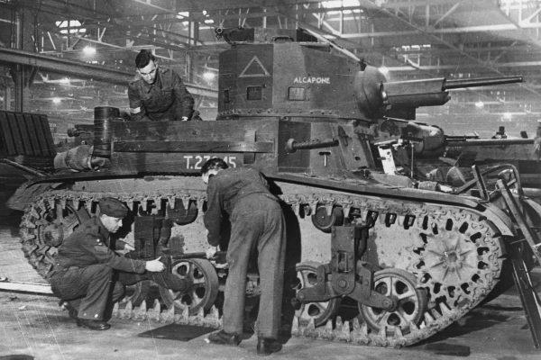 M2A4 Light Tank w trakcie budowy
