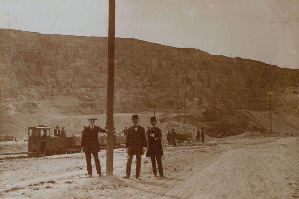 Wnętrze kamieniołomu Liban, lata 1910-1920 (fot. fotopolska.eu)