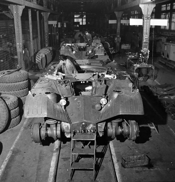 Panhard EBR w trakcie produkcji
