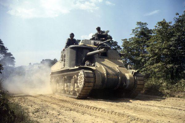 M3 Lee podczas manewrów w Fort Knox w 1942 roku (fot. Alfred Palmer)