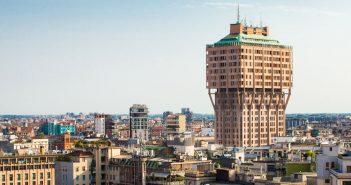 Brutalistyczny wieżowiec Torre Velasca w Mediolanie