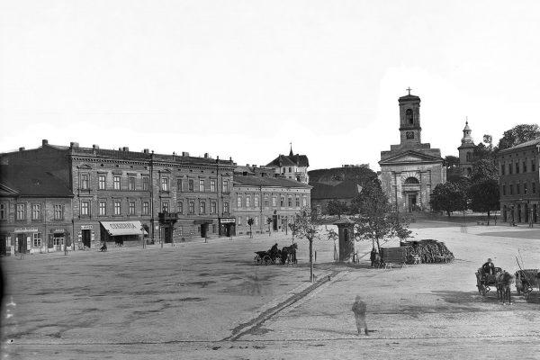 Rynek Podgórski z dawnym kościołem św. Józefa około 1900 roku (fot. Natan Krieger/MHK)