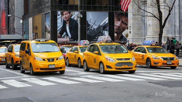 Nowojorskie taksówki współcześnie (fot. Michał Banach)