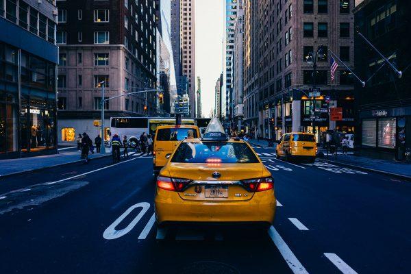 Nowojorskie taksówki współcześnie (fot. Roman Kruglov)