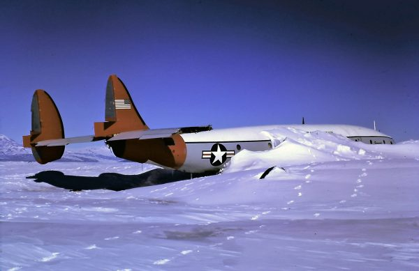 "Wrak Lockheeda C-121J Super Constellation ""Pegasus"" (fot. Ralph Lewis)"