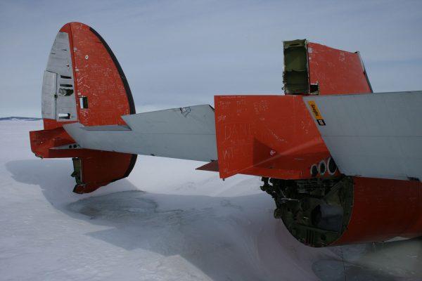 "Wrak Lockheeda C-121J Super Constellation ""Pegasus"" (fot. Ell Duke)"