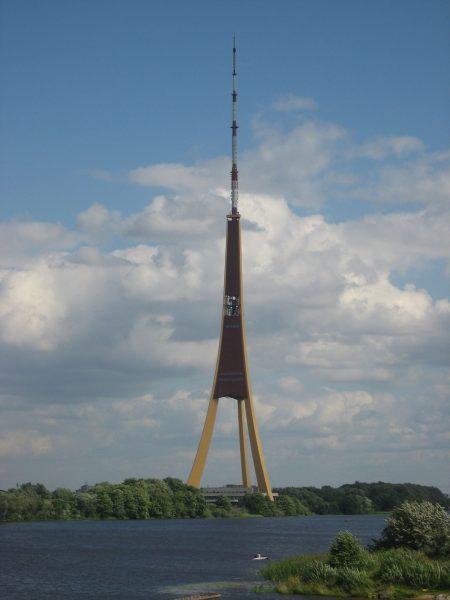 Ryska wieża radiowo-telewizyjna (fot. reddit.com)