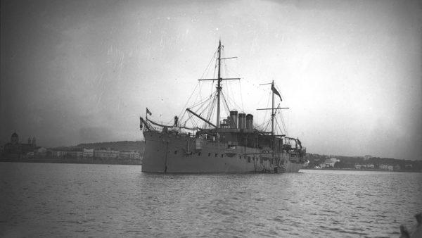 Foudre jako transportowiec wodnosamolotów