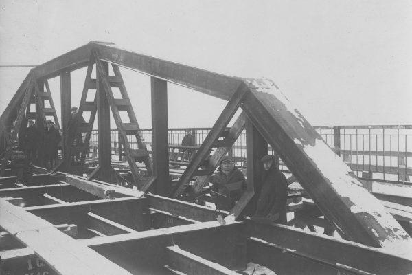 Most w Maurzycach podczas budowy