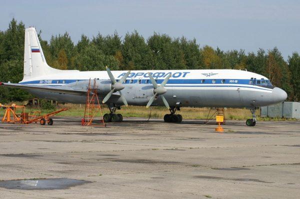 Iljuszyn Ił-18 (fot. aeroprints.com)