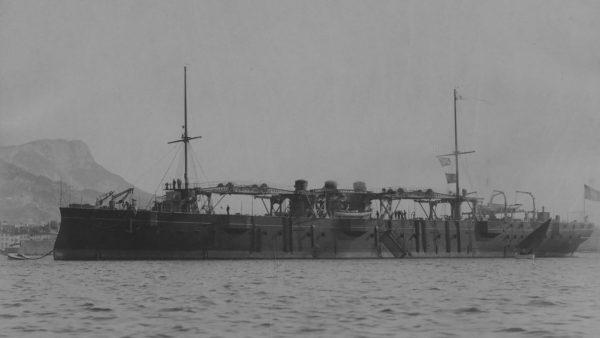Foudre jako transportowiec torpedowców
