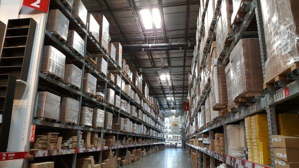 Optymalne zagospodarowanie przestrzeni wewnątrz hali pozwala na budowanie mniejszych i zarazem tańszych obiektów magazynowych