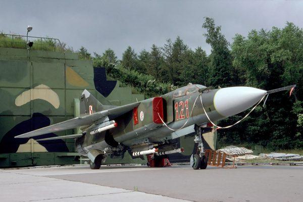 MiG-23MF - 1 lipca 1995 roku (fot. Rob Schleiffert/Flickr.com)