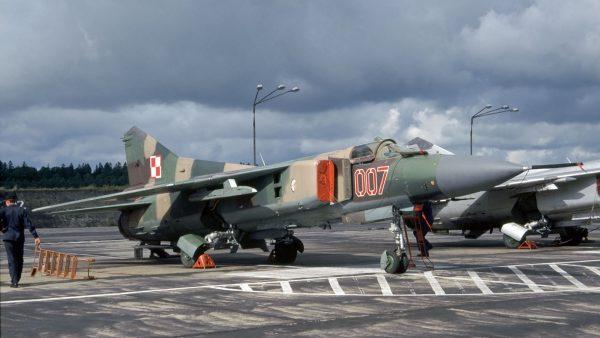MiG-23MF - lipiec 1995 roku (fot. Rob Schleiffert/Flickr.com)