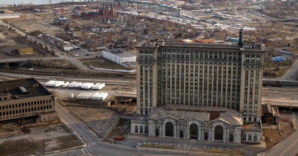 Michigan Central Station (fot. J. Kyle Keener)