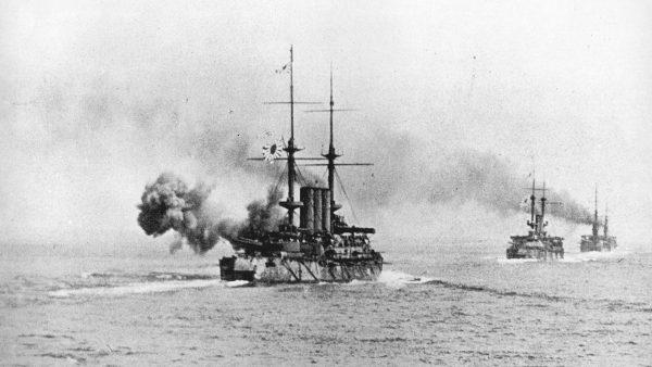 Japońskie pancerniki podczas bitwy na Morzu Żółtym