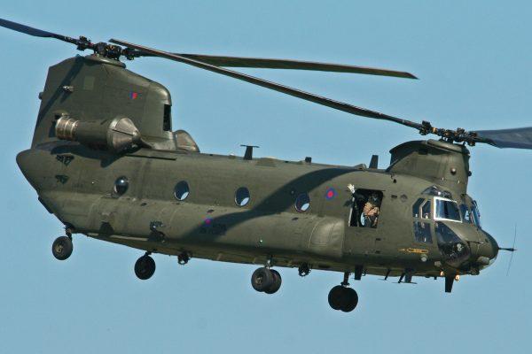 Chinook HC2. Taki sam rozbił się w Szkocji. (fot. Alan Wilson)