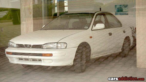 Zapomniany salon Subaru na Malcie (fot. carsaddiction.com)