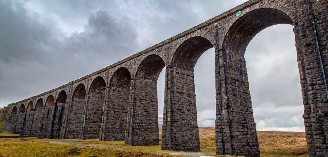 Ribblehead Viaduct - XIX-wieczny wiadukt kolejowy w Wielkiej Brytanii