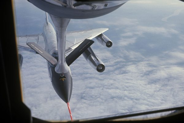 Convair B-58 Hustler podczas tankowania w powietrzu