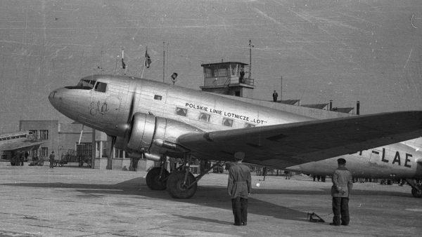 Li-2, licencyjna wersja DC-3 w barwach PLL LOT