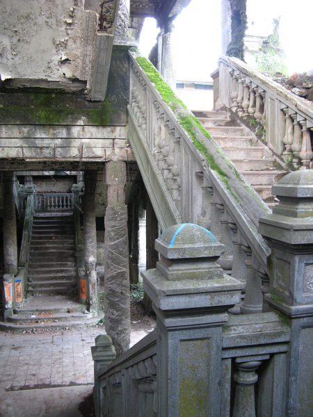 Ruiny teatru Enrique Molina (fot. Farisori/Wikimedia Commons)