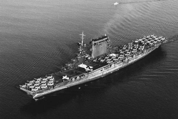 USS Lexington wypływający z San Diego, 14 października 1941 roku