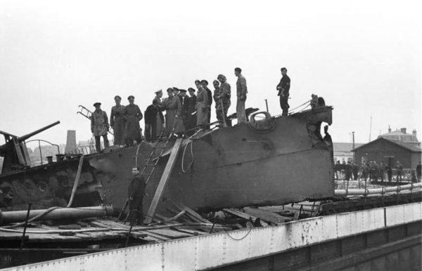 HMS Campbeltown wbity w wrota doku Normandie
