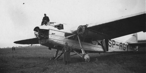 Samolot pasażerski PZL.4 zdobyty przez Niemców w 1939 roku