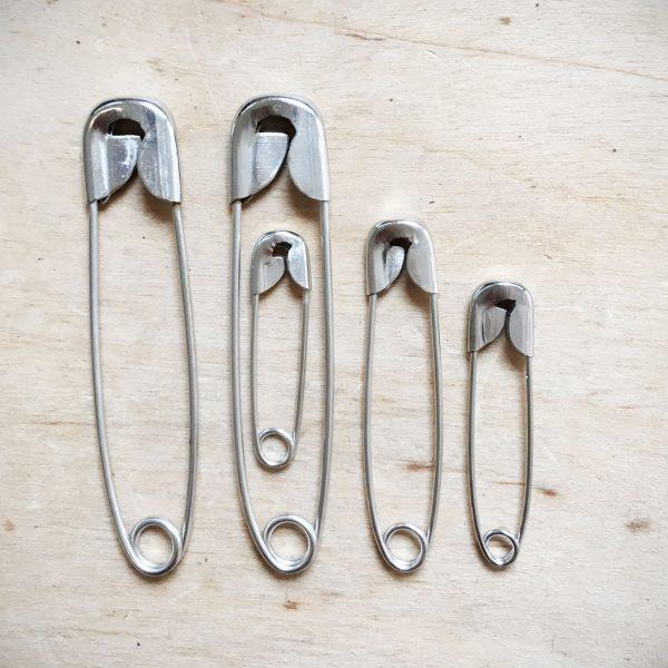 Współczesne agrafki (fot. lapetitelulu.com)