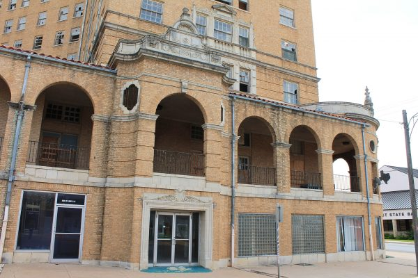 Baker Hotel (fot. Renelibrary)