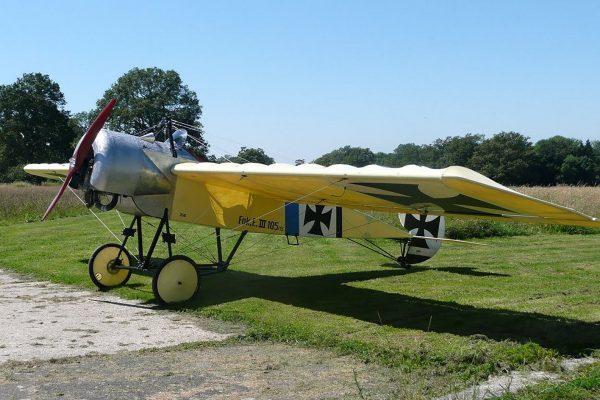 Współczesna replika Fokkera E.III (fot. grass-strip-aviation.blogspot.com)
