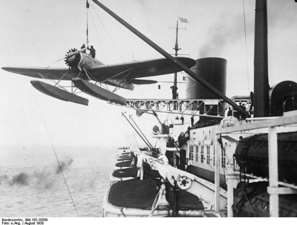 Heinkel He 58 na pokładzie Europy