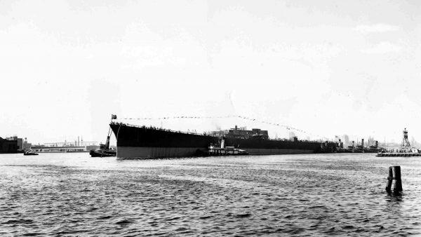 USS Alaska podczas budowy