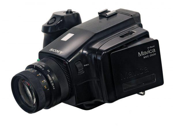 Sony Mavica MVC-2000 (fot. Rama/Wikimedia Commons)