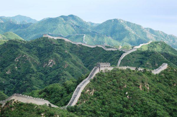 Chiny są obecnie coraz bardziej popularnym kierunkiem podróży zarówno turystycznych jak i biznesowych