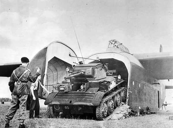 Brytyjski szybowiec Hamilcar i czołg lekki Tetrarch