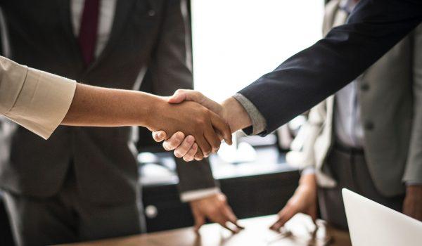 Coraz częściej zauważalnym trendem wśród polskich przedsiębiorców i szkoleniowców jest organizowanie konferencji biznesowych w obiektach hotelowych.