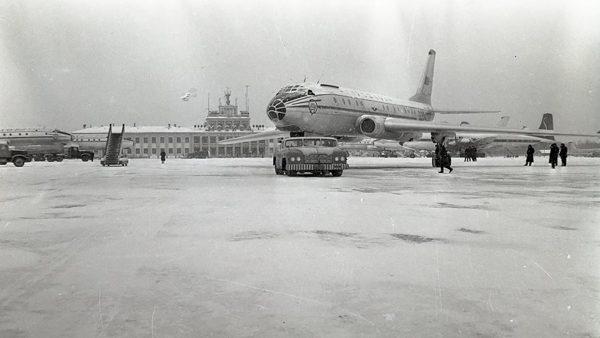 MAZ-541 i Tu-104