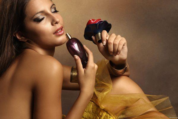 Yves Saint Laurent uznawany jest za jednego z największych skandalistów wśród producentów perfum
