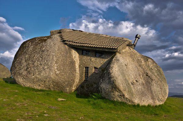 Casa do Penedo (fot. Pablo García Chao)