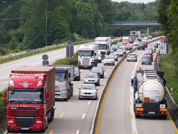 Łączna długość wszystkich autostrad w Unii Europejskiej wynosi ponad 82 401 km