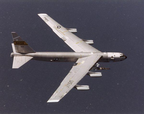 X-43 podczas lotu testowego 28 kwietnia 2001 roku