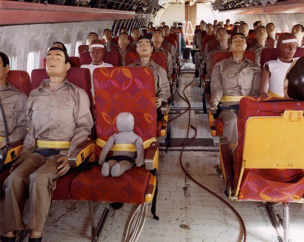 Manekiny symulujące pasażerów