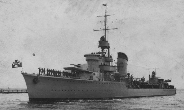 ORP Błyskawica wpływa do Gdyni, 1937