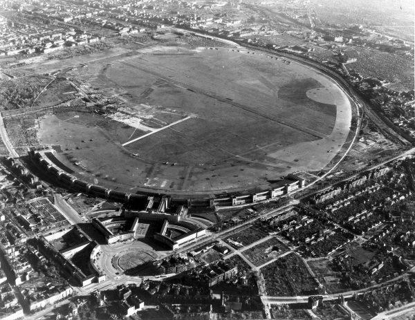 Port lotniczy Berlin-Tempelhof po zakończeniu II wojny światowej