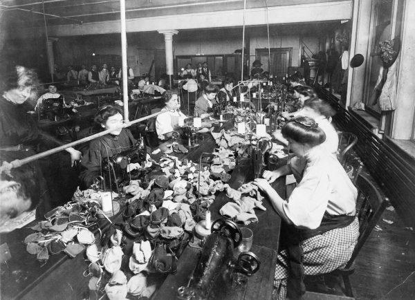 Fabryka misiów z 1915 roku