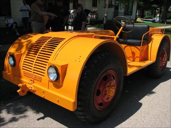 Minneapolis-Moline NTX (fot. Observe The Banana/Flickr.com)