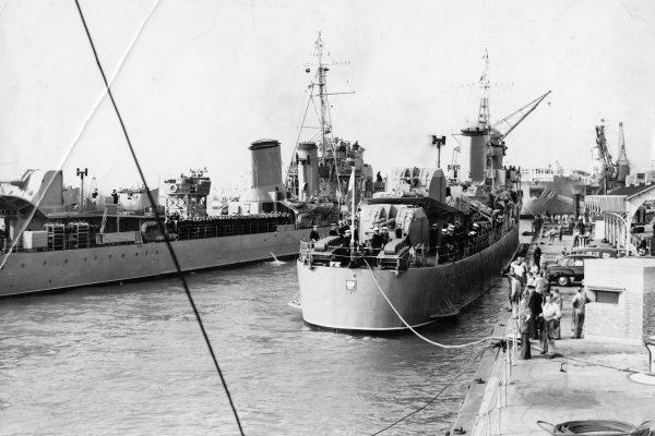 ORP Błyskawica i ORP Burza już po wojnie podczas wizyty w Wielkiej Brytanii (fot. Muzeum Marynarki Wojennej w Gdyni)
