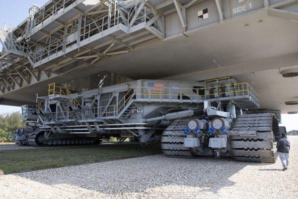 Crawler-transporter (fot. NASA)